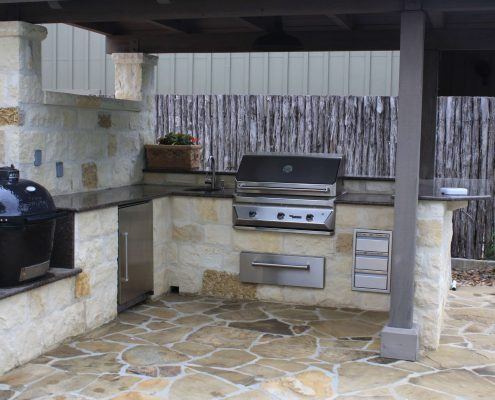 Outdoor kitchen granite tropic brown at Edge Stoneworks