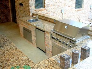 Outdoor Kitchen Granite Portofino at Edge Stoneworks